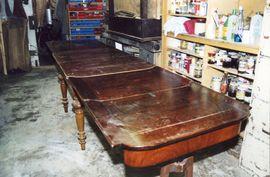Tisch alt